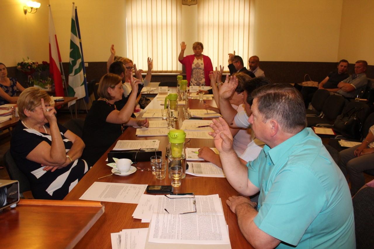 Radni jednogłośnie udzielili Burmistrzowi Absolutorium za 2016 r.